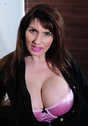 Big Tits Bra Porn Pictures